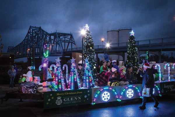 Float in front of bridge at Owensboro Christmas Parade